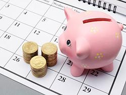calendar and piggybank